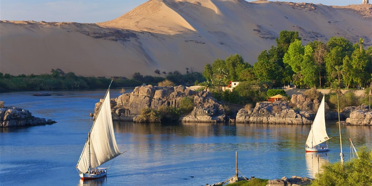 https://egypteyetour.com/wp-content/uploads/2018/09/Nile-Cruise-3-1280x640.jpg