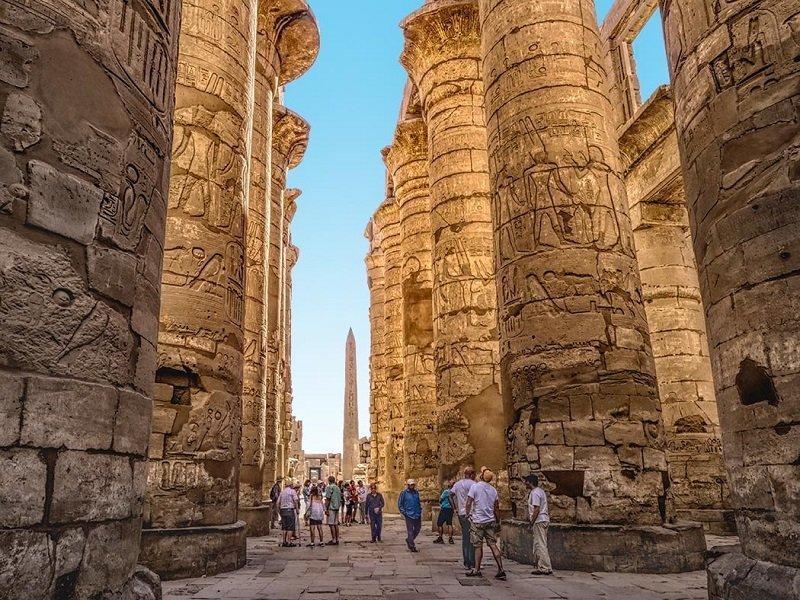 Karnak-Temple800
