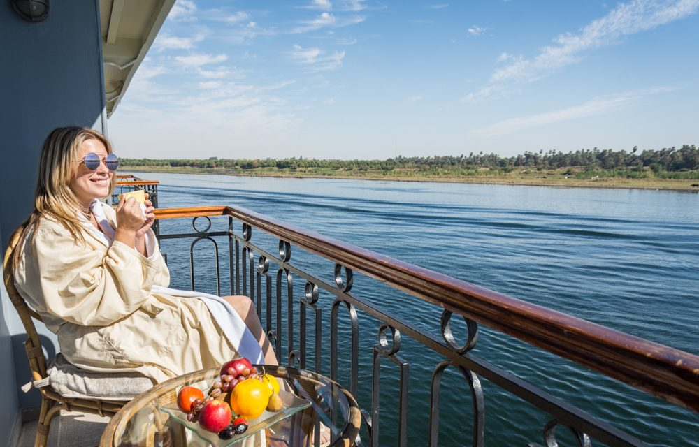 https://egypteyetour.com/wp-content/uploads/2019/04/Nile-Cruise9-1000x640.jpg